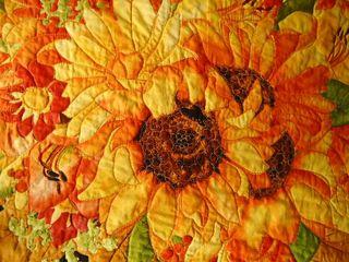 Detailquiltingsunflower