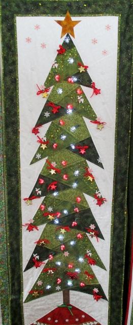 Sue's tree (262x640)