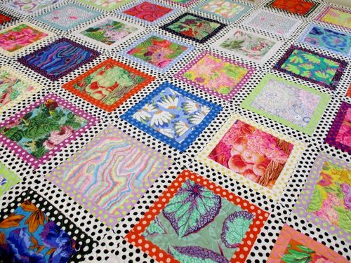 Finished Kaffe Quilt 006 (640x480)
